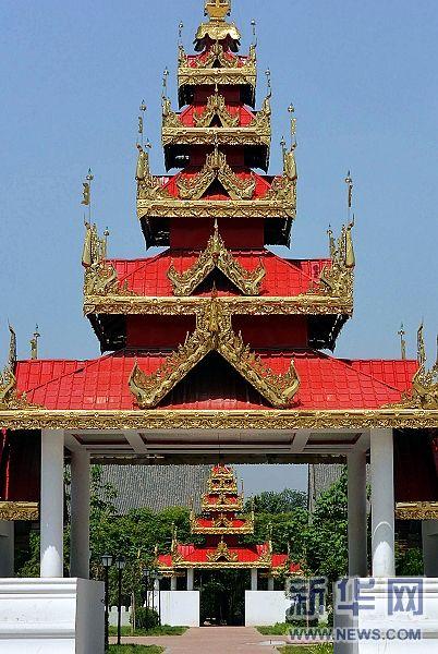 (6)洛阳白马寺缅甸风格佛殿建筑群的一个塔门