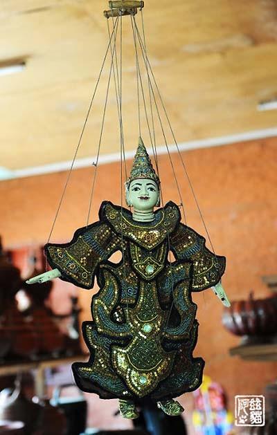 实拍缅甸的提线木偶艺术