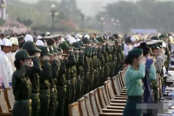 女警方队-缅甸女特种兵亮相阅兵式