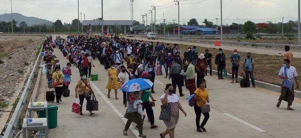 又有426名缅甸公民从妙瓦底边境缅泰友谊大桥回国