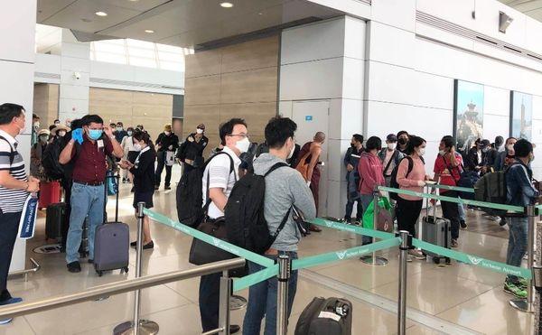 又有100多名滞留海外的缅甸公民返回祖国