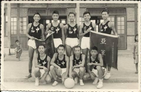 忆缅属青燕篮球队 (伍全礼) - 南加缅华联谊会 - 南加州缅华网