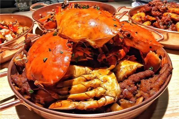 美味到吃掉手指头!缅甸螃蟹肉多味鲜,秒杀你的舌尖