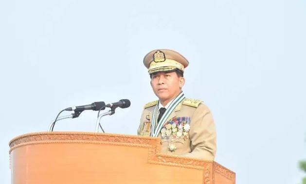 (缅甸三军总司令 敏昂莱大将 资料图)-军方称将继续坚持政府领导