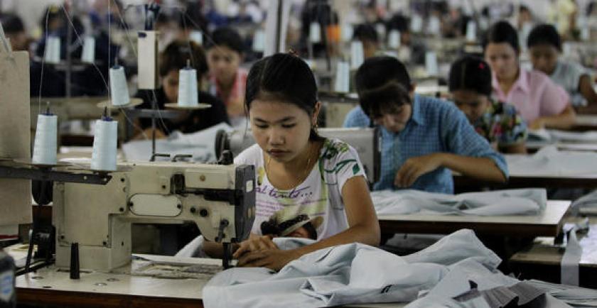 仰光工业区两成衣厂将拍卖工厂机器设备以支付工人们的工薪