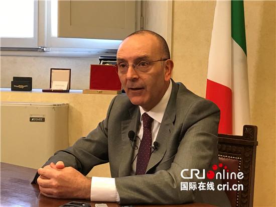 """意大利参议院外委会主席:新疆不存在""""民族迫害""""和""""种族灭绝"""""""