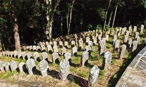 永久跪在中国土地上的日军雕像,日方要求拆除,中国:3个条件!